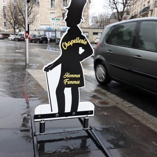 Stop trottoir sur ressorts double face en Lyxcel 24 mm impression numérique. Caen