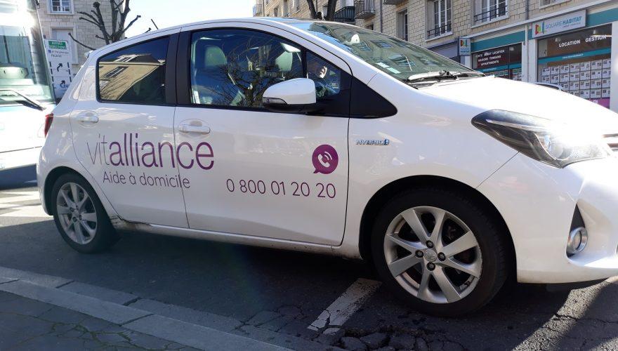 Décoration véhicule professionnel adhésif teinté masse découpé Caen