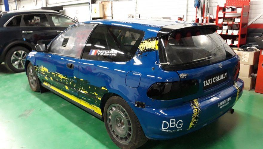 Décoration voiture de sport automobile adhésif teinté masse découpé. Caen